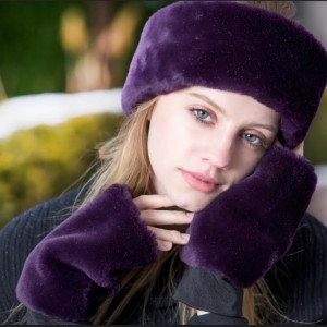 Headband in plum, fingerless mittens in plum